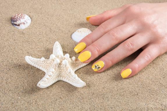 Moon Nails - Nail salon in Surprise AZ 85379